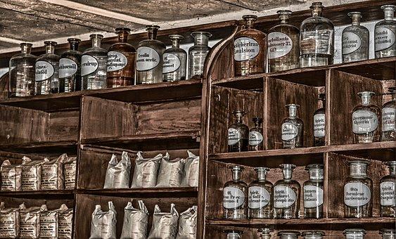 Drogerie, Glas-Flaschen, Medikamente, Medizin, Apotheke